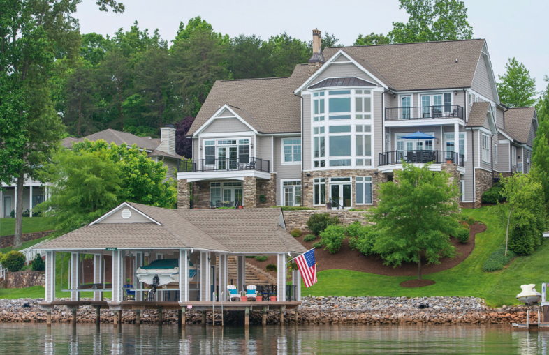 Home Tour Offers Taste of Lakeside Living