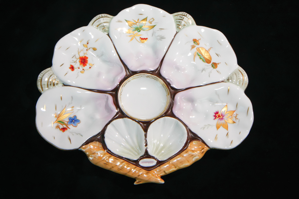 Antique Oyster Plates: Collecting Pearls for your China Cabinet ...