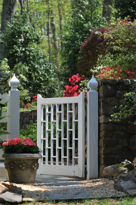 Etonnant An Ornamental Garden Gate Could Be Just The Irresistible Design Element  Your Home Needs To Add That Dose Of Unforgettable Charm To Its Exterior.