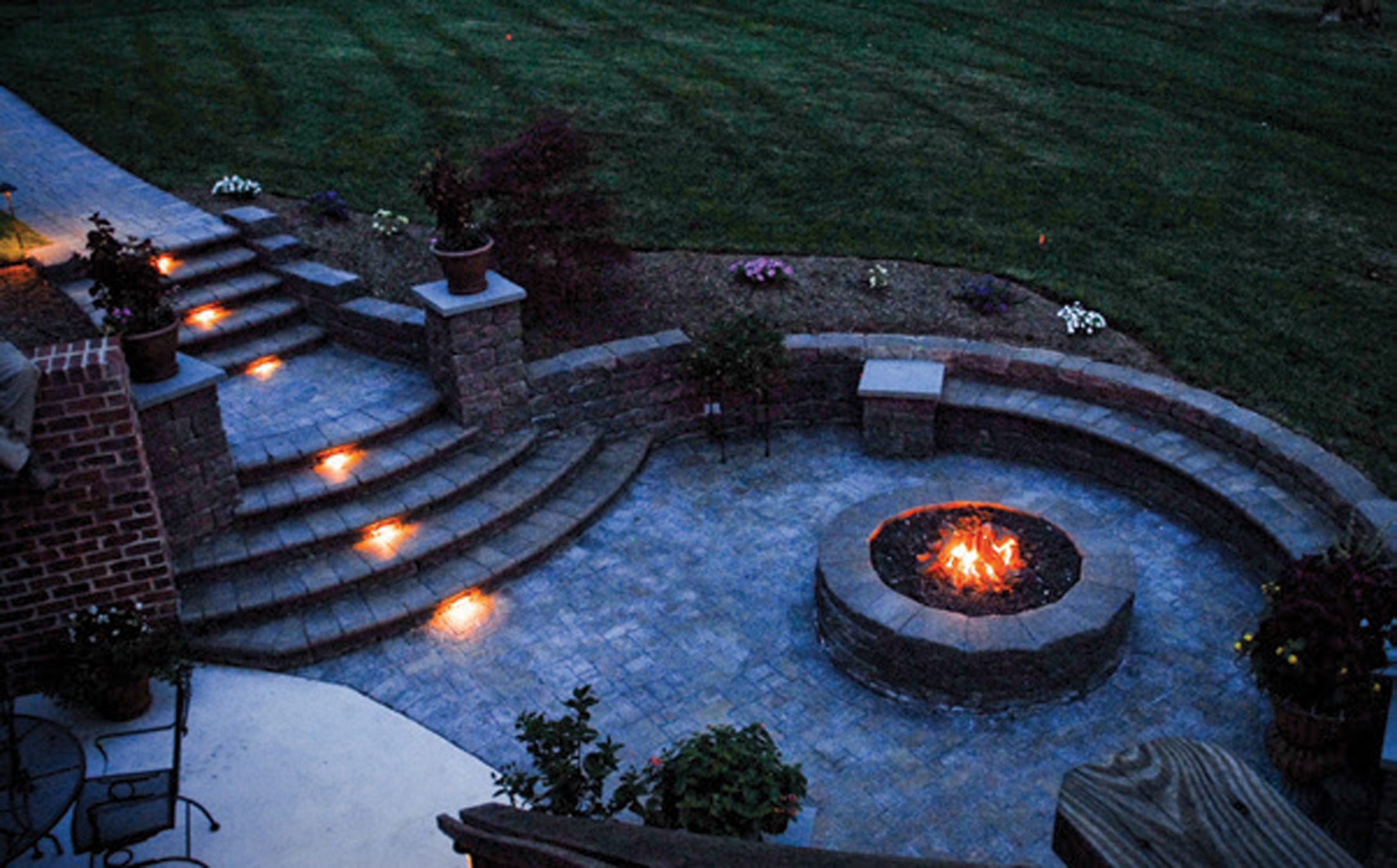Burning Bright: Fiery Features for Outdoor Spaces